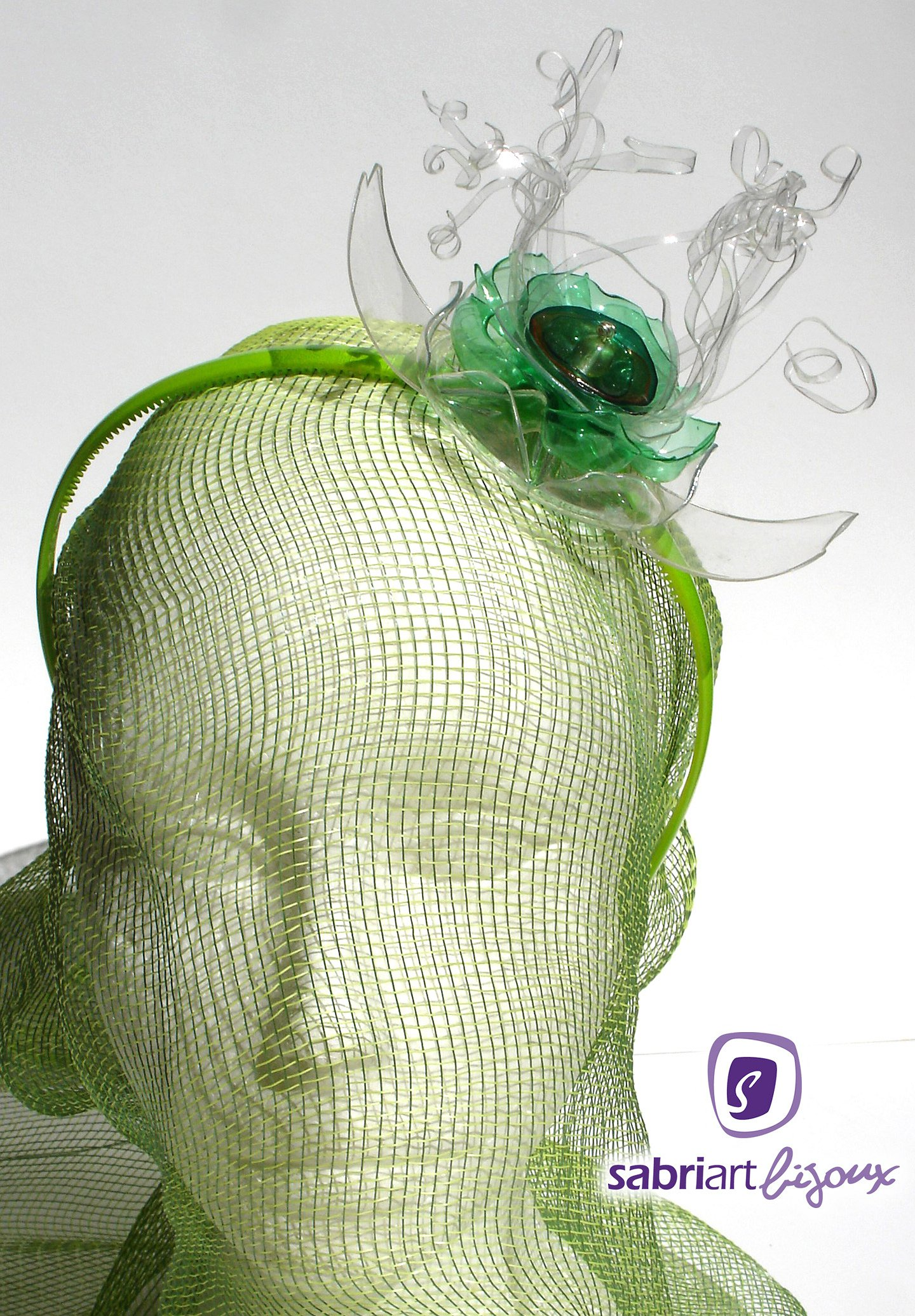 <h2>Daniela</h2><br><h3>Fascinator e Cerchietti</h3>