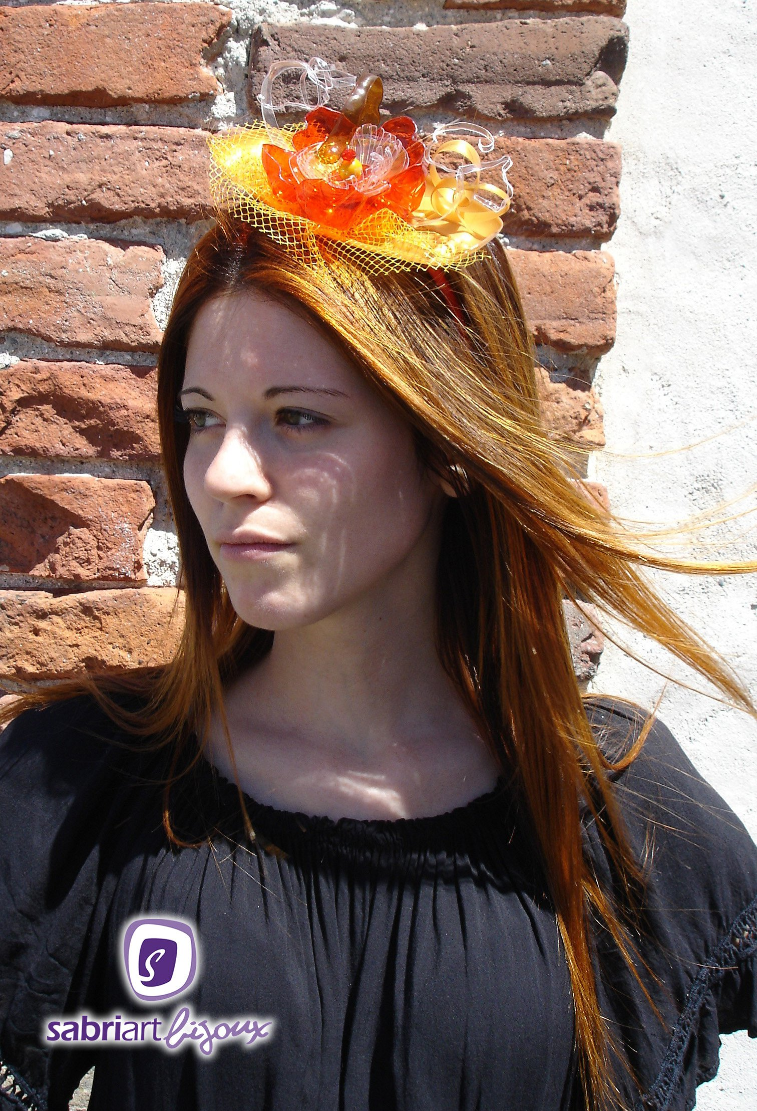 <h2>Valentina</h2><br><h3>Fascinator e Cerchietti</h3>